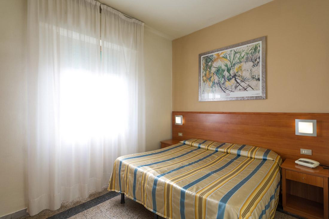 Camera doppia con bagno hotel moderno for Sito camera
